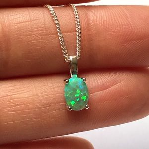 Jewelry - Sterling Silver Green Opal Necklace